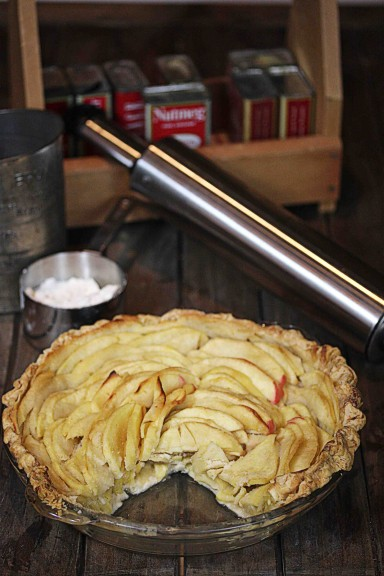 Honey-Crisp-Pie-384x576