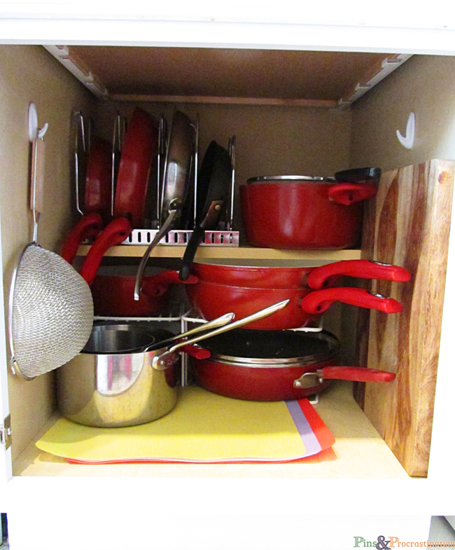 Pots And Pans Storage Ideas To Take Note Of: Kitchen Organization: Solutions For Small Kitchens