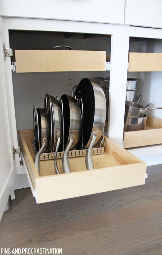 The kitchen is the heart of the home, but for many, it is also the black hole! Kitchen organization is so important, but it isn't always easy. This post will give you some kitchen organization ideas. There isn't a kitchen organization secret, just lots and lots of planning and rearranging! You may just pick up an idea or two when you get a little tour around this kitchen... and you wont believe where they keep the spices!
