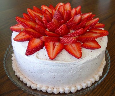 Top 10 easy cake decorating ideas pins and procrastination - How to slice strawberries for decoration ...